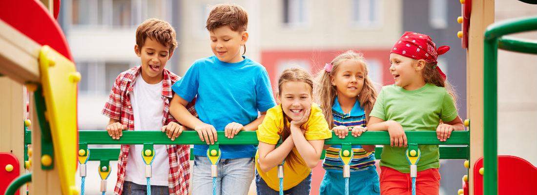 espacios recreativos. imagen niños sonriendo en el parque