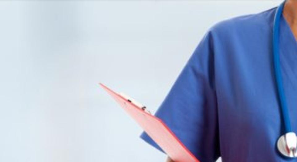 oposiciones de enfermería. imagen de fondo medico con el mono azul